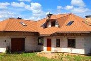 Стильный и просторный дом в стиле шале с террасой
